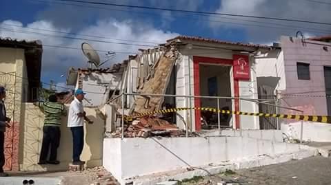 Terminal de Caixa Eletrônico destruído pelos criminosos