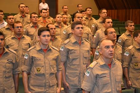 24 novos bombeiros militares promovidos pelo governo