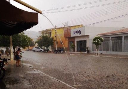 Chuva em Parelhas – Foto: Joelma de Souza