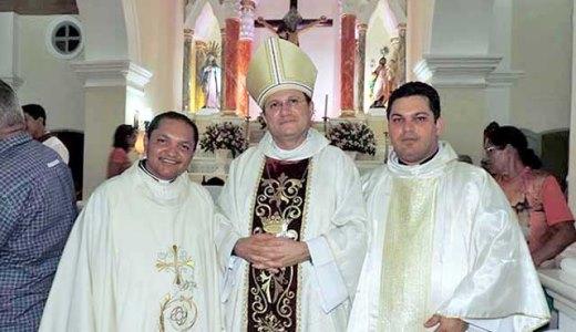 Padre Edvaldo, Dom Magnus e Pe. João Maria durante a Festa do Padroeiro de Touros/2015